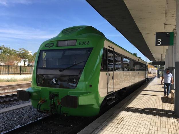 El Tajo y el tren (HOY.ES)